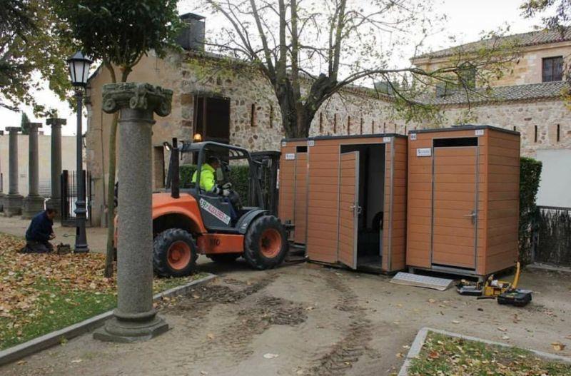 Banos Portatiles Para Casas.Los Banos Portatiles Junto A La Catedral Se Trasladan Detras
