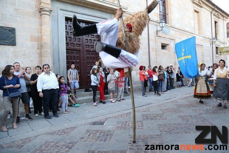 Un desfile genial organizado por el Patronato de Tursimo saca a Zamora a la calle para disfrutar de las máscaras