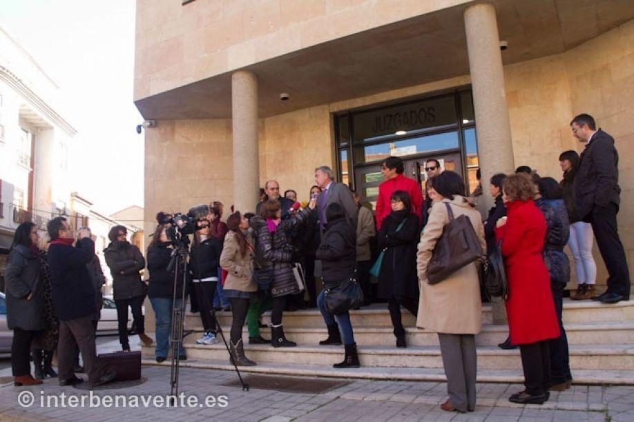Los abogados y procuradores de benavente piden la for Juzgado de benavente